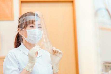 歯科受付/カルテ管理/患者対応など/フルタイム/社保完備